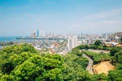 Torre y edificios modernos, paisaje urbano de Fukuoka en Japón imágenes de archivo libres de regalías