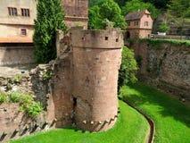 Torre y paredes arruinadas del castillo de Heidelberg Foto de archivo libre de regalías