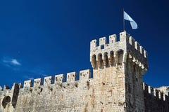 Torre y paredes de la fortaleza veneciana i Foto de archivo