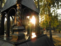 Torre y puesta del sol imagen de archivo libre de regalías