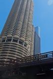 Torres Chicago de la ciudad del puerto deportivo Fotografía de archivo