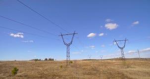 Torres con los alambres
