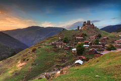 Torres da aldeia da montanha do parque nacional de Tusheti Fotografia de Stock Royalty Free