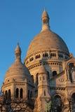Torres da basílica de Sacré Coeur em Mont Martre em Paris Fotos de Stock Royalty Free