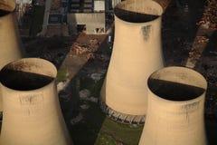 Torres da central eléctrica Fotografia de Stock