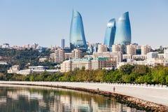 Torres da chama em Baku foto de stock