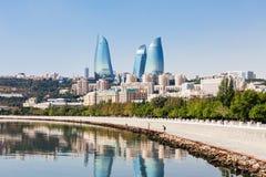 Torres da chama em Baku fotografia de stock royalty free
