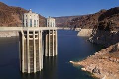 Torres da entrada da barragem Hoover Foto de Stock
