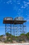 Torres de agua con los tanques de agua imagen de archivo libre de regalías