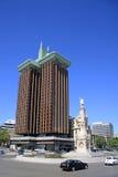 Torres De Dwukropek jest wysokiego urzędu budynkiem bliźniacze wieże przy placem De Dwukropek w Madryt Zdjęcia Royalty Free