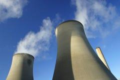 Torres de enfriamiento Foto de archivo libre de regalías