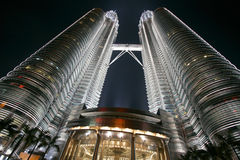 Torres de gêmeos em Malasia Imagens de Stock