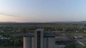 Torres de Gottened de una mina de carbón vieja en Tokod, Hungría almacen de video