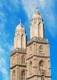 Torres de Grossmuenster en Zurich Fotos de archivo libres de regalías