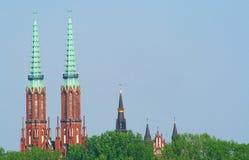 Torres de iglesias en Varsovia Foto de archivo libre de regalías