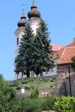Torres de la abadía de Tihany en la península de Tihany, Balaton Imagen de archivo libre de regalías
