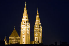 Torres de la catedral de los Dom de Szeged imagen de archivo libre de regalías