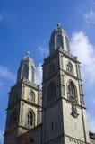 Torres de la iglesia de Grossmunster, Zurich Imágenes de archivo libres de regalías