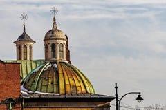 Torres de la iglesia de la trinidad santa Imagenes de archivo