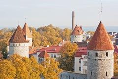 Torres de la pared de Tallinn Fotografía de archivo