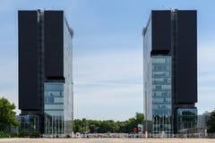 Torres de la puerta de la ciudad Imágenes de archivo libres de regalías