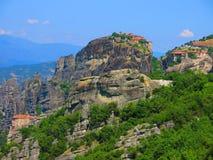 Torres de la roca en Meteora, Grecia Imágenes de archivo libres de regalías