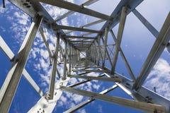 Torres de la transmisión de la electricidad sin los alambres Imagenes de archivo