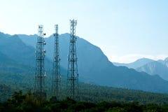 Torres de las telecomunicaciones Imágenes de archivo libres de regalías