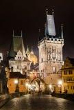 Torres de Mala Strana, en el puente de Charles, Praga Foto de archivo libre de regalías