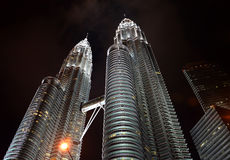 Torres de Petronas em Kuala Lumpur, Malaysia Imagens de Stock Royalty Free