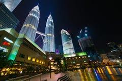 Torres de Petronas en el centro de Kuala Lumpur Imagen de archivo
