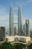 Torres de Petronas en Kuala Lumpur, Malasia Imagen de archivo libre de regalías