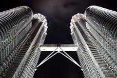 Torres de Petronas en Kuala Lumpur Malasia Imagenes de archivo