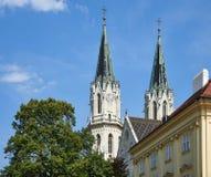 Torres de Stift Klosterneuburg, Viena fotografía de archivo libre de regalías