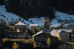 Torres de Svan em Ipari, Svaneti, Geórgia Marcos Georgian fotografia de stock