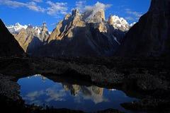 Torres de Trango de Urdukas - nascer do sol Fotos de Stock