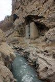 Torres de vigia velhas na garganta de Argun em montanhas de Chechnya Foto de Stock Royalty Free
