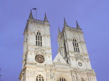 Torres de Westminster Abbey At Night Imagem de Stock Royalty Free