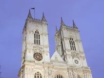 Torres de Westminster Abbey At Night Imagen de archivo libre de regalías