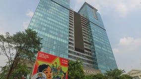 Torres del centro de Vincom, Ho Chi Minh, Vietnam almacen de metraje de vídeo