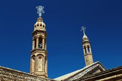 Torres del monasterio de Deyrul Umur Syriac imagen de archivo