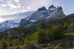 Visibilité directe chilienne Cuernos de parc national Photographie stock libre de droits