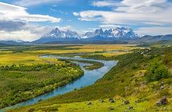 Torres Del Paine Halni szczyty, Patagonia, Chile fotografia stock