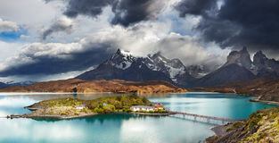 Torres del Paine, lago Pehoe Fotos de Stock Royalty Free