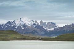 Torres del Paine maxima chile härligt dimensionellt diagram illustration södra tre för 3d Amerika mycket royaltyfria bilder