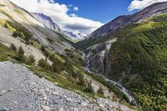 ` ` Torres Del Paine Nationalpark, möglicherweise einer der nettesten Plätze auf Erde Hier können wir die ` ` Cuernos sehen Del P stockbild