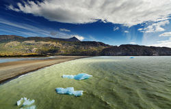 Torres Del Paine, See-Grau Lizenzfreie Stockfotos