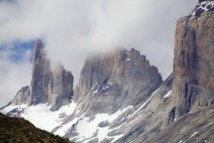 Torres del Piane no parque nacional de Torres del Paine, região de Magallanes, o Chile do sul imagens de stock