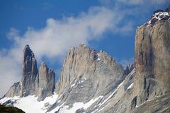 Torres del Piane no parque nacional de Torres del Paine, região de Magallanes, o Chile do sul imagem de stock