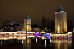 Torres del puente medieval Ponts Couverts en Estrasburgo, Francia Fotografía de archivo